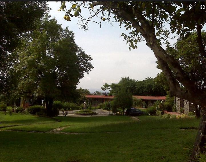 Taller de Tensegridad en Monasterio Benedictino de Cuernavaca
